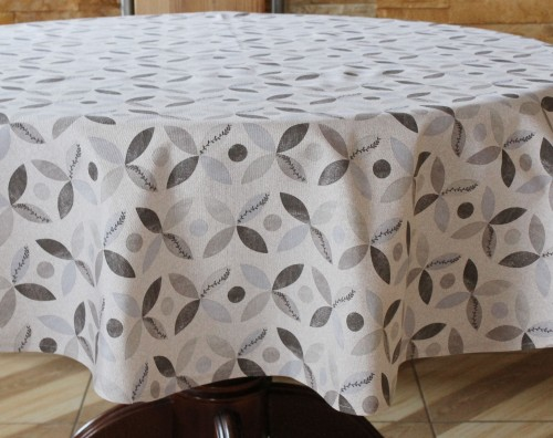 Staltiesė kreminės spalvos su geometrinėmis detalėmis